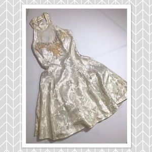 Betsy & Adam Vintage White Lace Formal Dress